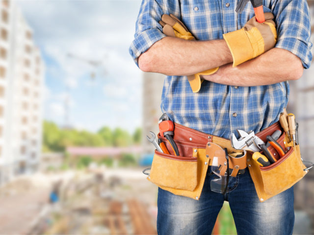 tradie with toolbelt shutterstock_1287829237